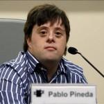 Ο 34χρονος Ισπανός Πάμπλο Πινέδα είναι ο πρώτος στην Ευρώπη πτυχιούχος πανεπιστημίου που έχει σύνδρομο Down.