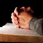 Τα αποτελέσματα των μελετών σχετικά με την προσευχή είναι αντικρουόμενα.