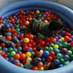 Ο παιδαγωγός χρειάζεται να είναι σε εγρήγορση, προκειμένου να διευκολύνει την  ενσωμάτωση του αυτιστικού παιδιού στην τάξη..