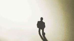 Η επιδίωξη της μοναξιάς συνδεδεμένη με τη μισανθρωπία συνιστούν τα προεξάρχοντα χαρακτηριστικά της μελαγχολίας.