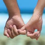 Καθένας μπορεί να αναρωτηθεί: «ποιο είναι το νόημα να δεσμευτώ σε μία σχέση όταν περιορίζεται η ελευθερία μου;».