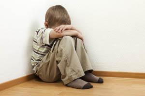 Τιμωρώντας ένα παιδί, στην ουσία του στερούμε την πολύ σημαντική εσωτερική διαδικασία του να αντιμετωπίσει την συμπεριφορά του.