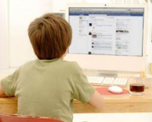Η νέα γενιά έχει βρει μέσω του Διαδικτύου ένα μέσο επικοινωνίας και συνεχούς επαφής.