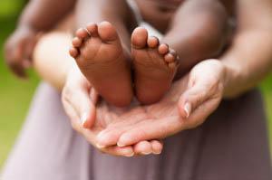 Αυτό που συνιστά την οικογένεια είναι πρωτίστως αυτό που επιτρέπει σε ένα παιδί, να εγγραφεί συμβολικά σε μια γενεαλογία.