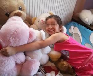 Ένα ασυνόδευτο κοριτσάκι από τη Συρία βρήκε οικογενειακή θαλπωρή σε οικογένεια στην Αττική